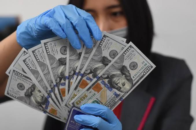 Dollar AS Kembali Diperdagangkan Melemah