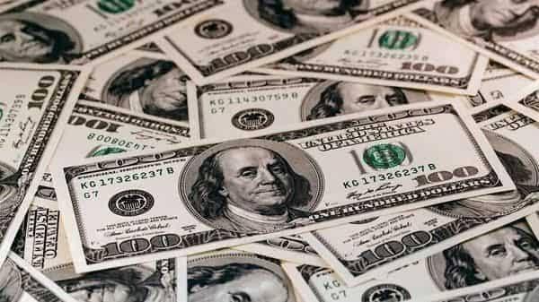 Dollar AS sedikit berubah di awal minggu sesi asia